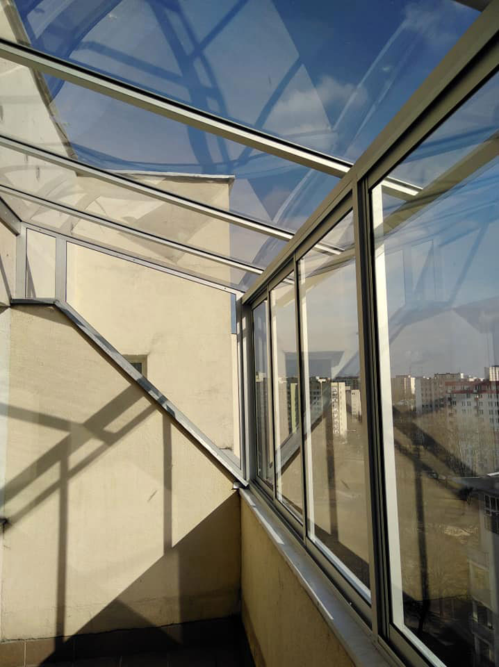 zabudowa balkonu w systemie ramowym